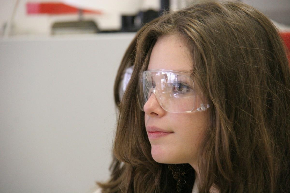 Des expériences qui surprennent, qui mettent en défaut les conceptions obstacle des élèves ...